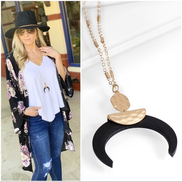 Jewelry - Black Crescent Shaped Pendant Necklace